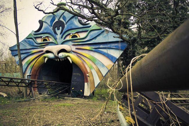 abandoned carnival 01